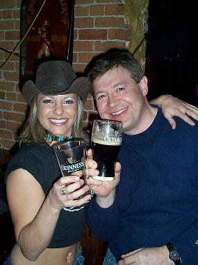 [Image: http://cartman81.free.fr/Images/guiness%2520girl%2520and%2520guy.jpg]